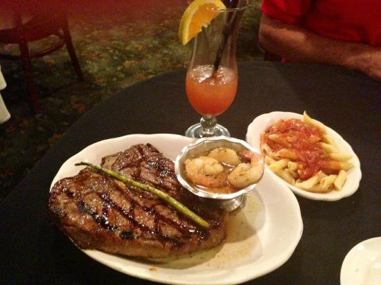 Miracle Springs Hotel and Spa: Steak Dinner at Capri