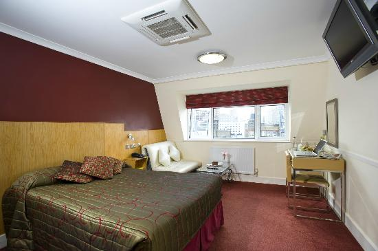 City Hotel : Bedroom