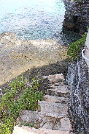 Pembroke Parish, Bermudy: Entrance to the swimming area on the coast