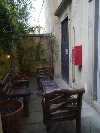 Palazzo Magnani Feroni: Private outside area