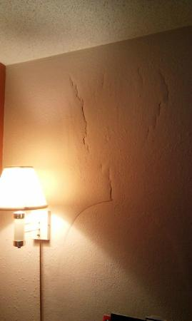 The cracks in the walls are not the only thing wrong with this hotel.