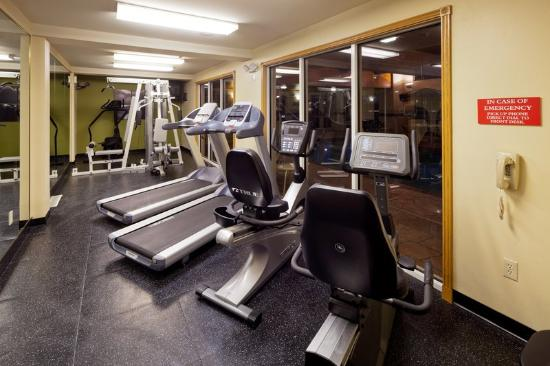 Country Inn & Suites by Carlson Milwaukee Airport: CountryInn&Suites MilwaukeeArpt FitnessRoom