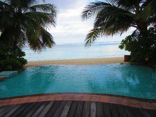 Veligandu Island Resort: Small pool