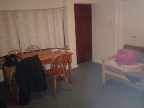 Lyons Robin Hood Holiday Park: front room