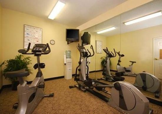 MainStay Suites Brentwood: Exercise facilities
