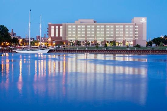 Photo of DoubleTree by Hilton Hotel Bay City - Riverfront