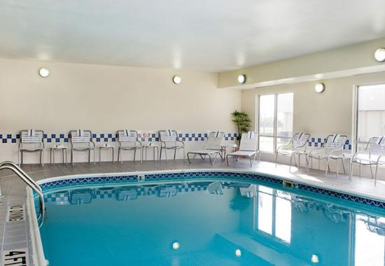 Fairfield Inn & Suites Champaign: Indoor Pool