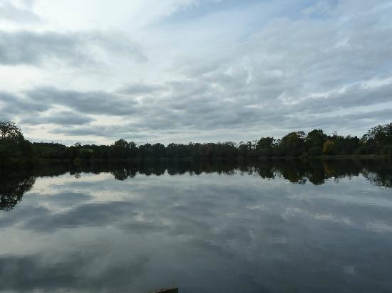 County Armagh, UK: Loughgall Lake