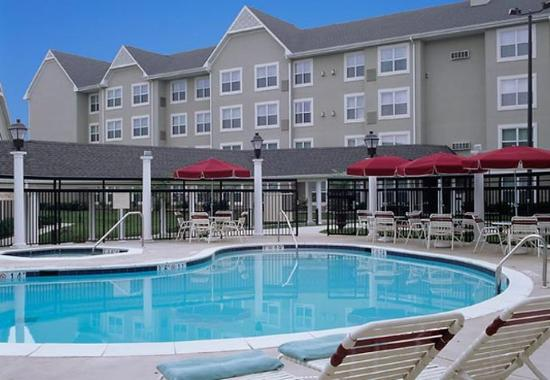 Residence Inn Greenbelt: Outdoor Pool