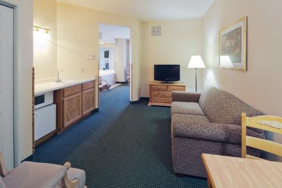 Country Inn & Suites Green Bay: CountryInn&Suites GreenBay Suite