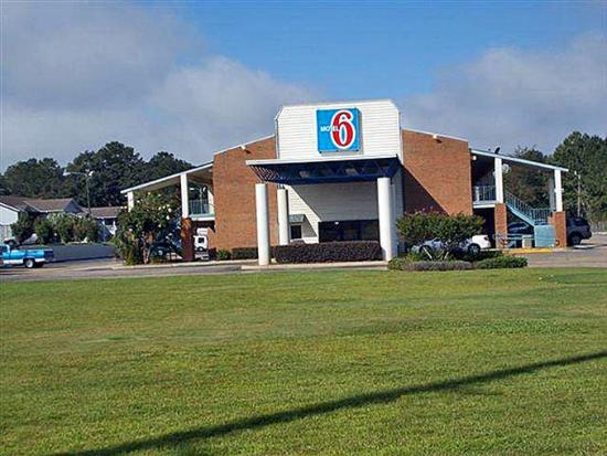 Motel 6 Dothan