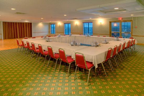 Quality Hotel & Suites Woodstock: Meeting Room