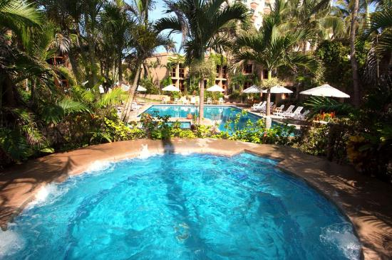 Villas El Rancho Green Resort: Jacuzzi Swimming Pool