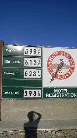 Panamint Springs Resort: gas prices at Panamint Springs