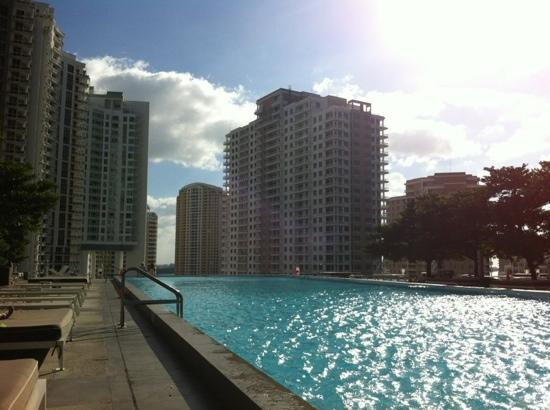 Residences at Icon Brickell - Miami by Elite City Stays: pool deck