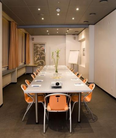 Hotel des Arts : Meeting Room