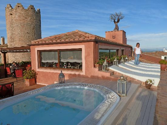 Sa Calma Hotel: Terraza con sala de deasyunos, solarium y jacuzzi