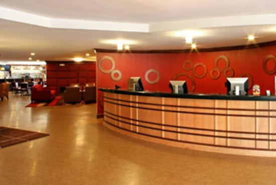 Capital Circle Inn & Suites: Front Desk