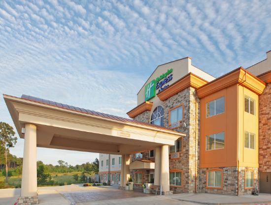 Holiday Inn Express Hotel &amp; Suites Marshall: Hotel Exterior