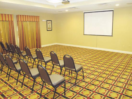 La Quinta Inn &amp; Suites Macon West: Meeting Room