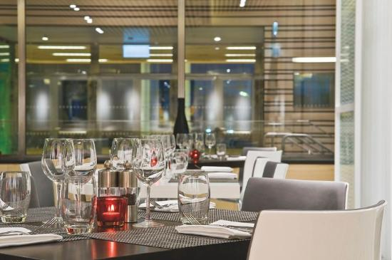 Radisson Blu Waterfront Hotel: RBG Restaurant