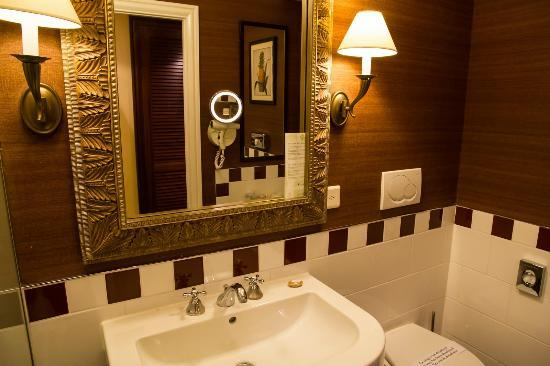 If By Kiplng For Bathroom: Picture Of Hotel Kipling