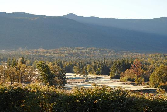 Omni Mount Washington Resort: Waiting for the frost to clear the course