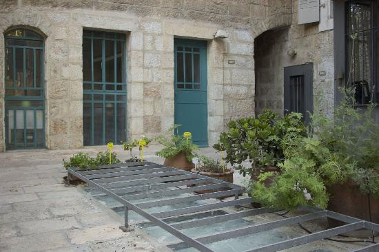 Magas House Jerusalem  B&B: Outdoor Patio