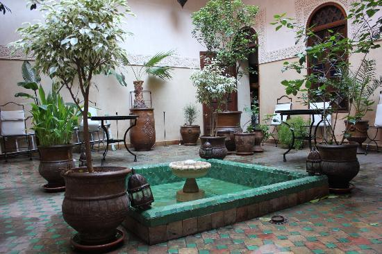 Riad Massiba: marrakech - patio