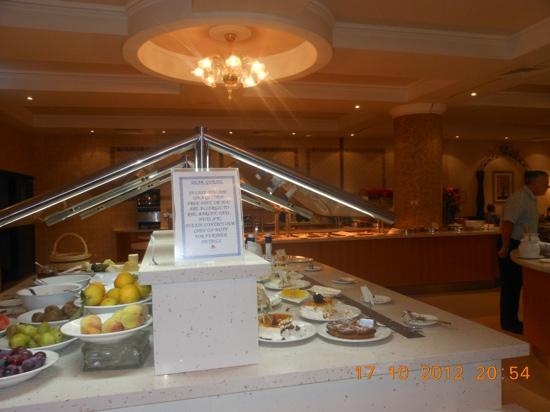 Atlantica Golden Beach Hotel: food