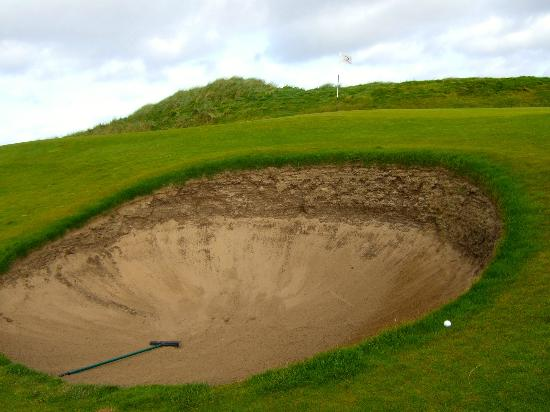 Doonbeg Lodge: Nasty pot bunker