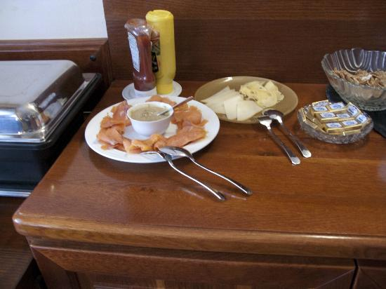 GJ Residence Na Vinohradu: Sample of breakfast
