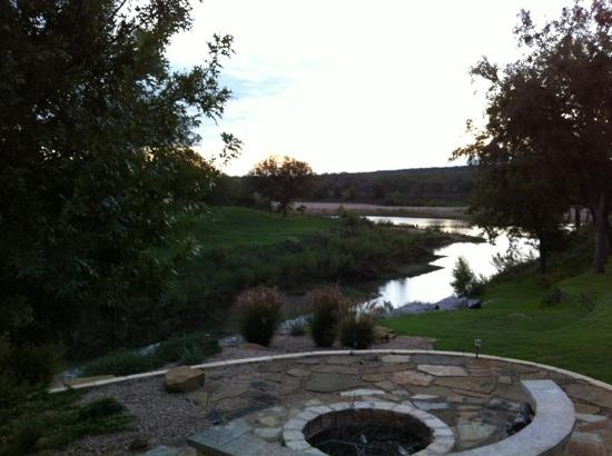 Bella Vista Bed and Breakfast on Lake Travis: a beautiful sunrise right outside our door
