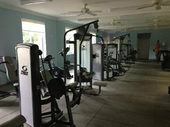 Seven Stars Resort: one section of weight room