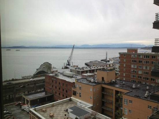 Four Seasons Hotel Seattle: 7th floor corner suite