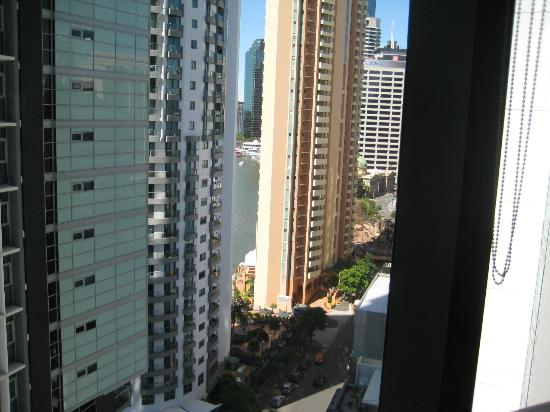 Meriton Serviced Apartments Brisbane on Adelaide Street: View to the river