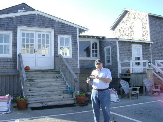Nags Head Beach Inn : Front of inn