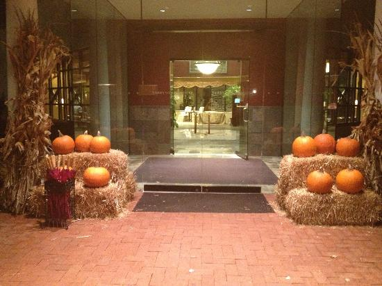 Tarrytown House Estate & Conference Center: Hotel entrance
