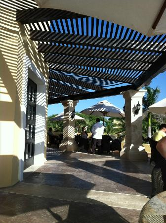 Royal Hideaway Playacar: Breakfast on the terrace at Spices