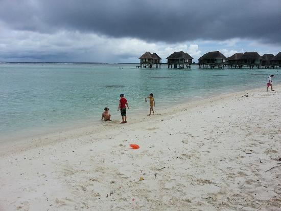 Club Med Kani: Beach & bungalows