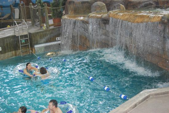 Hope Lake Lodge & Conference Center: Wave pool