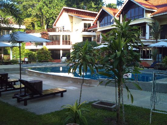 Anjungan Beach Resort & Spa: Resort compound