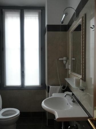 Hotel Felice Casati: amazing bathroom