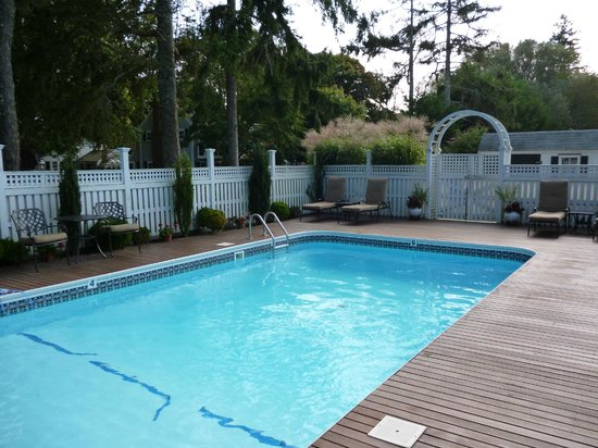 Captain&#39;s House Inn : The Pool 