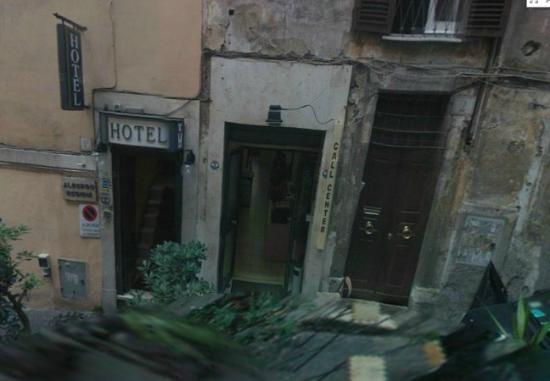 Hotel Delle Regioni: Ingresso da Via Zucchetti 1C