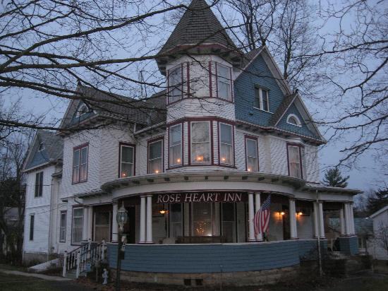 Rose Heart Inn