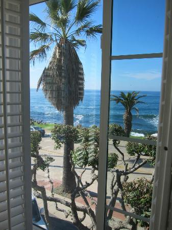 Scripps Inn: View from the Ocean Vista Suite.