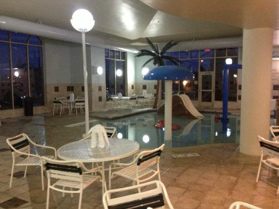 Hilton Garden Inn Madison West/Middleton: Another view of the pool showing the children's area