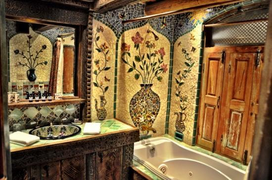 Inn of the Five Graces: our bath room !!!