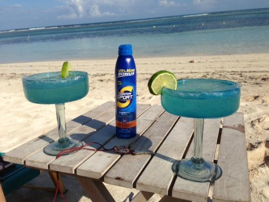 Nacional Beach Club & Bungalows: Evan's Margaritas on the beach in front of NBC